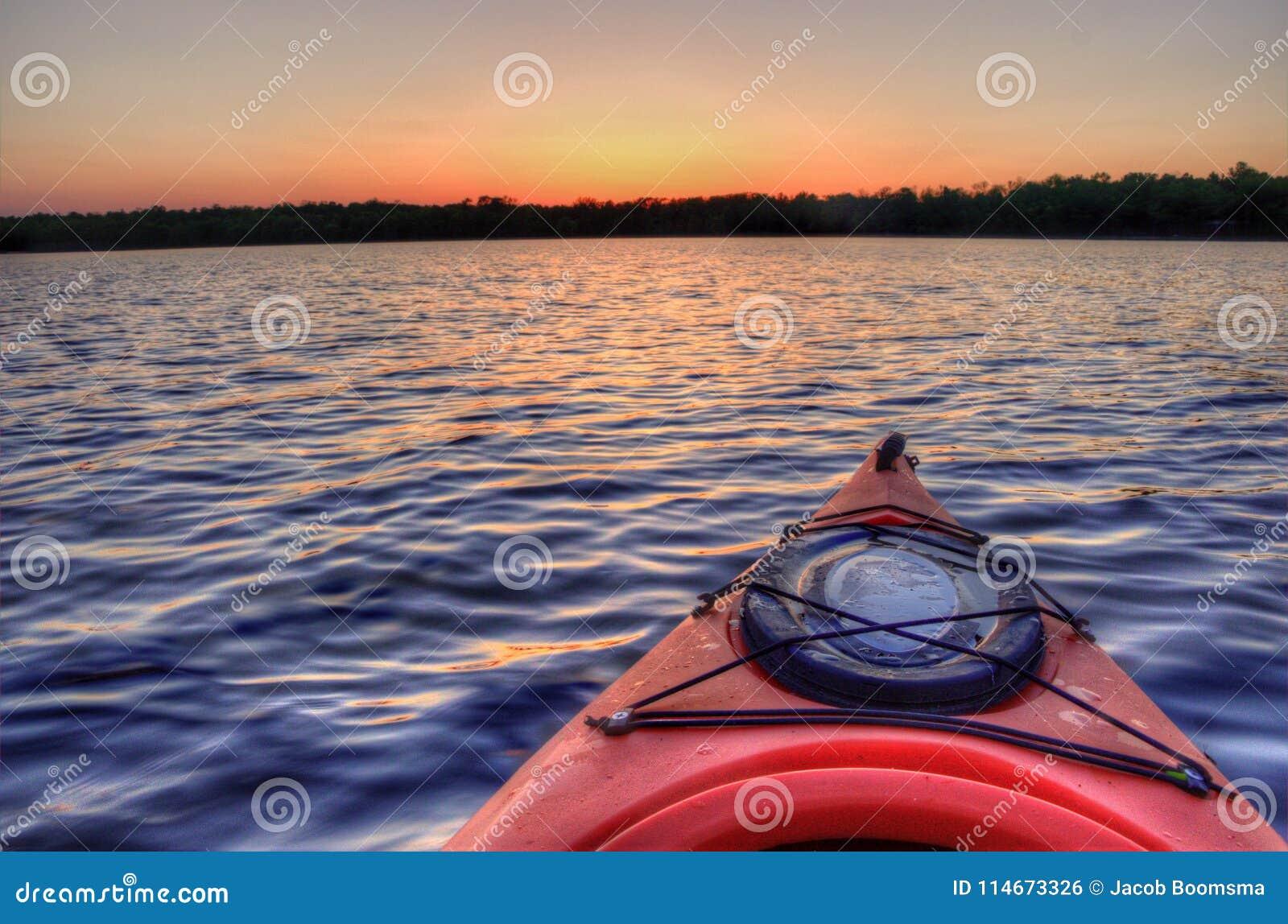 El lago bowstring es parte del nativo americano Reserva del lago leech