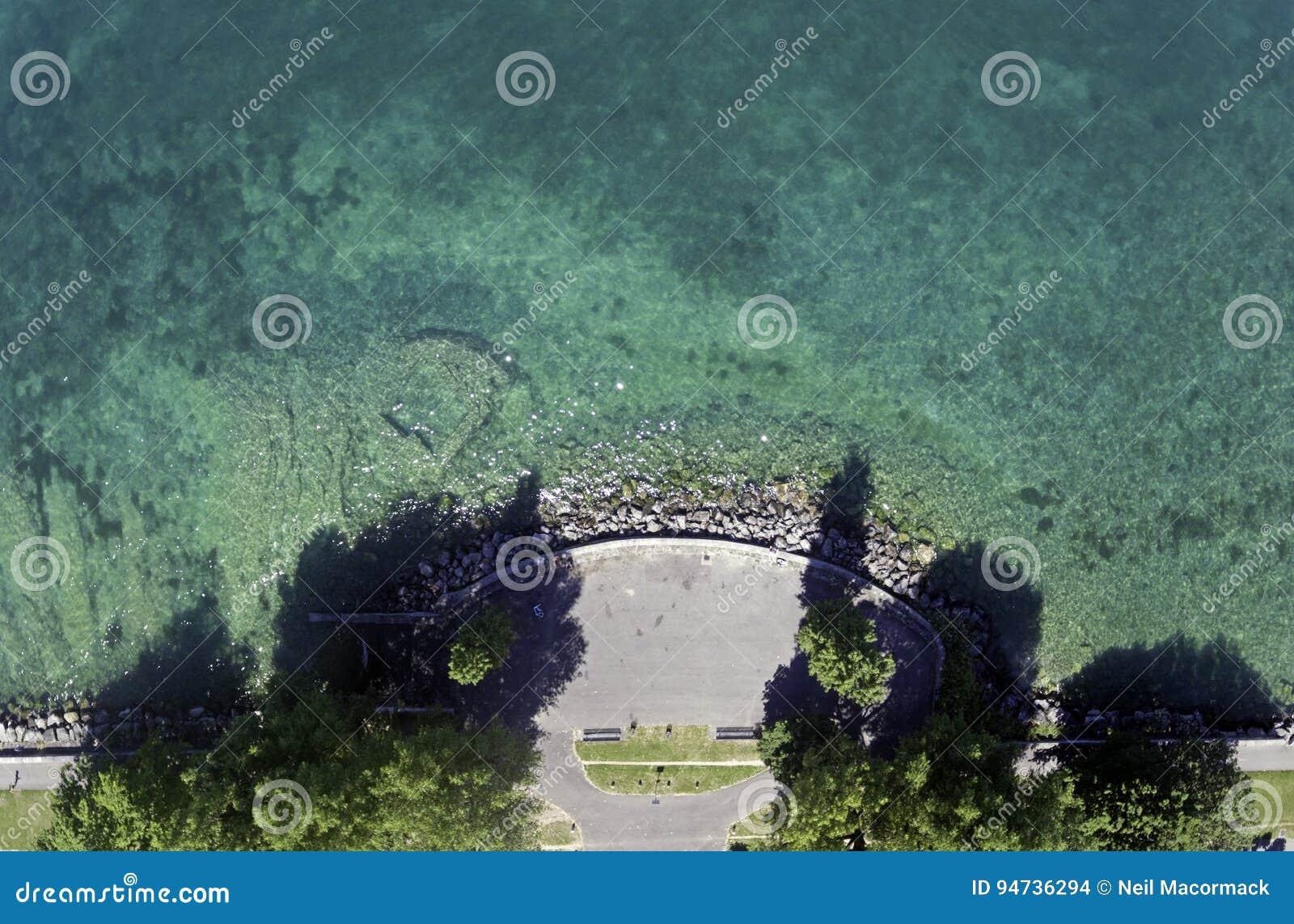 El lago Lemán en Suiza