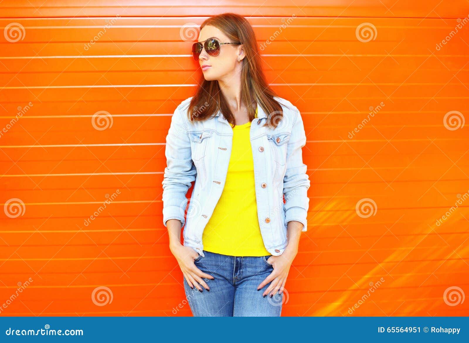 Los Mujer La Bonito El Vaqueros Llevar Gafas Sol Chaqueta Y De A1qnz4I