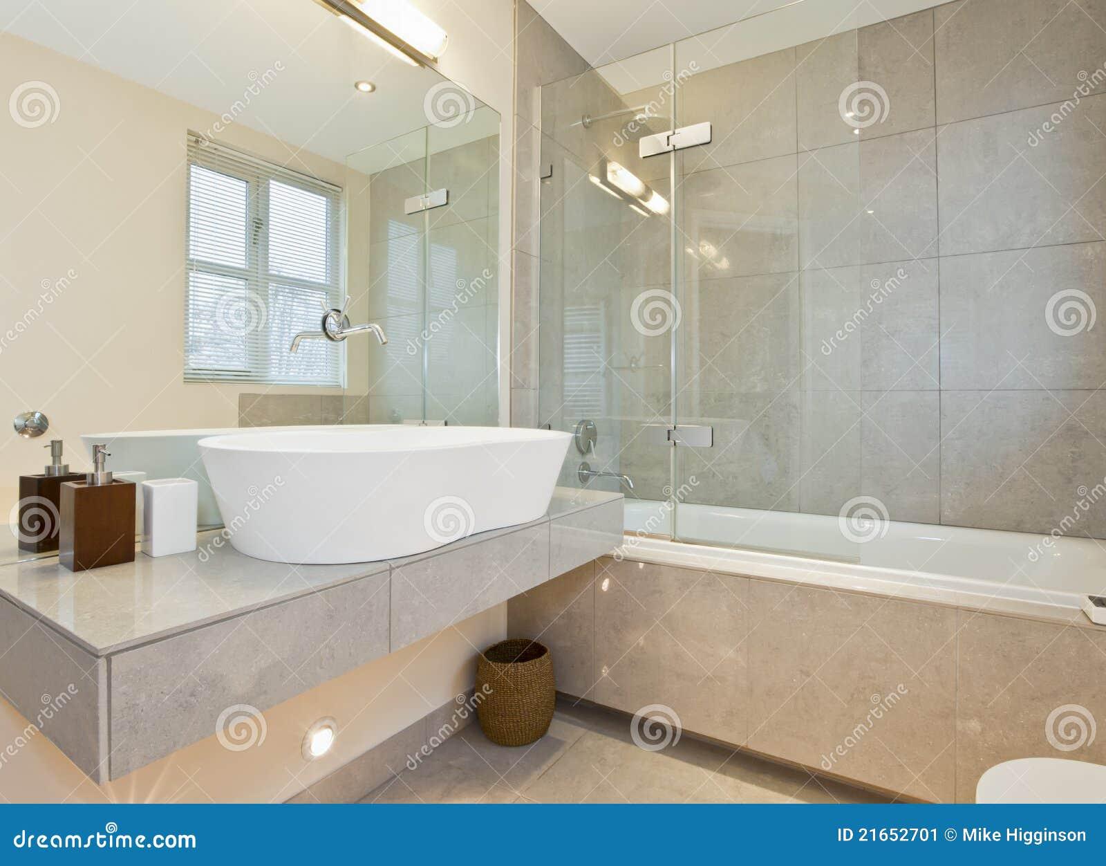 Baños Modernos Marmol:Modern Contemporary Marble Bathroom