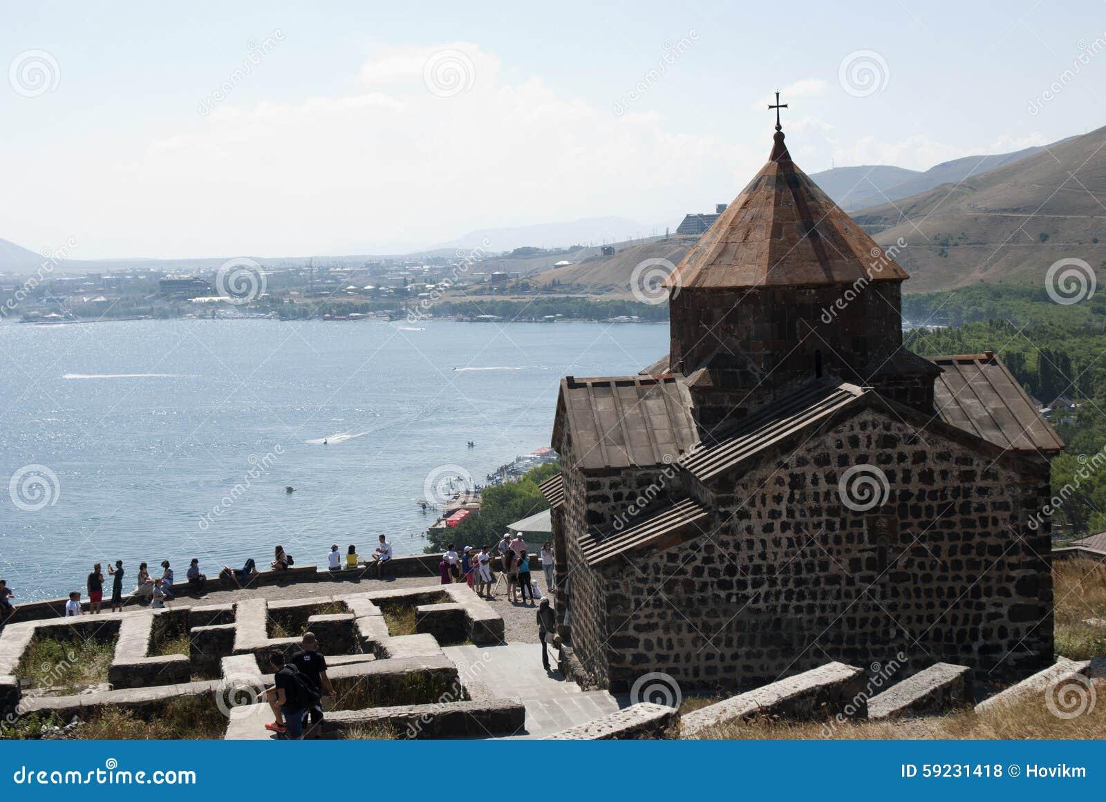 Download El Monasterio O El Sevanavank (iglesia) De La Isla En La Isla De Sevan Foto de archivo editorial - Imagen de isla, d0: 59231418