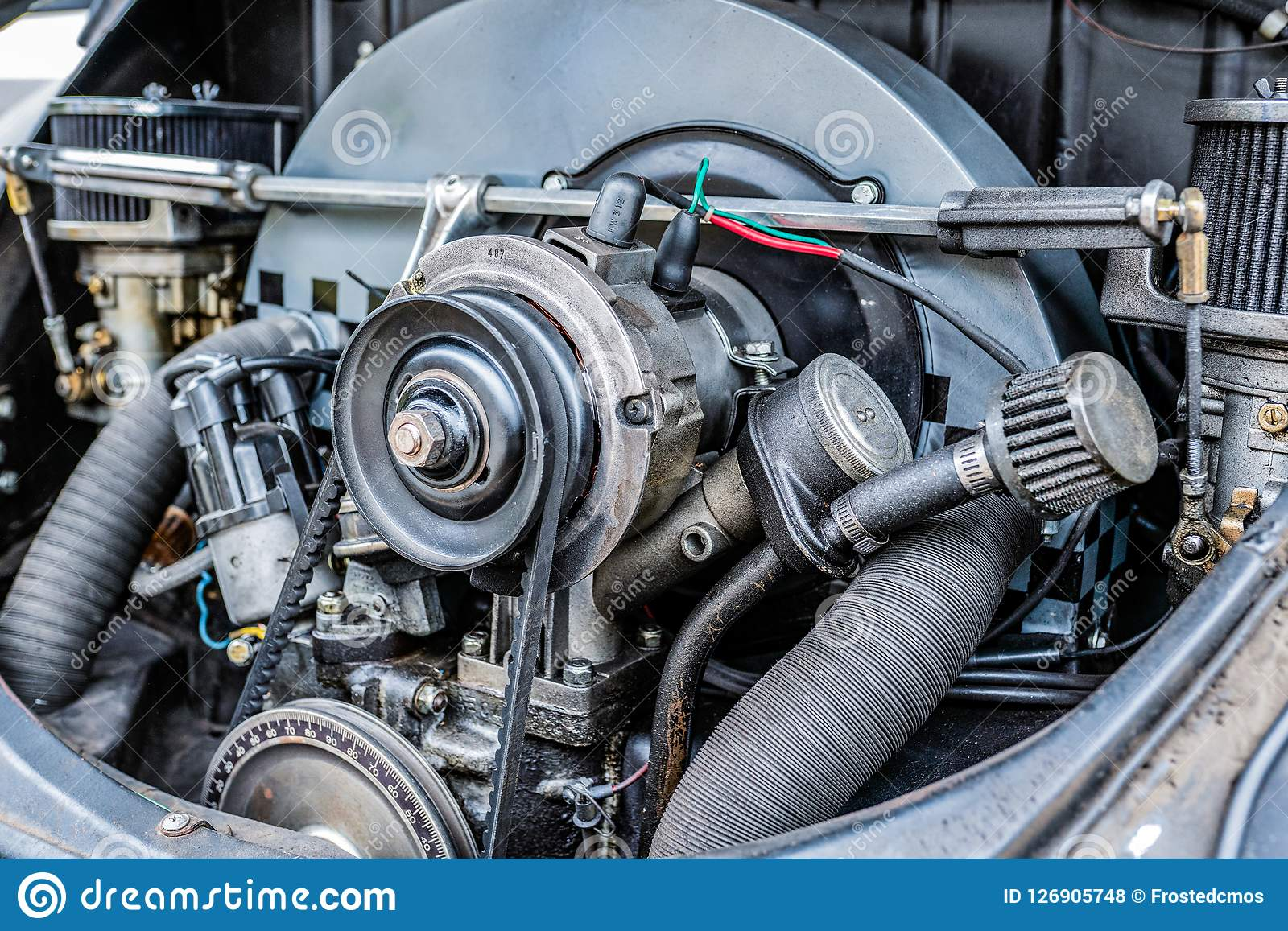 El motor del coche para arriba cierra la visión