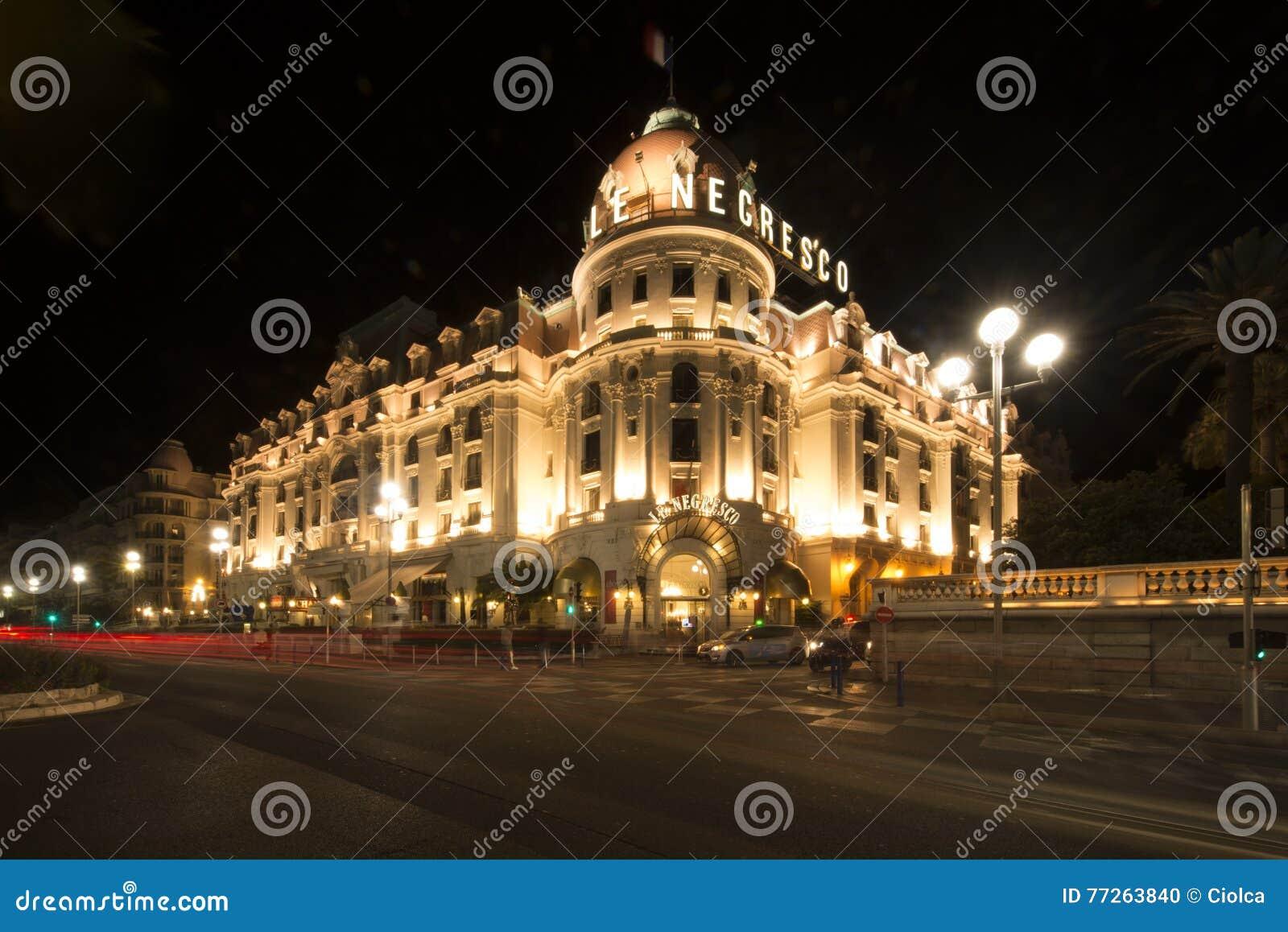 El Negresco hotel nocą, Ładną, Francja