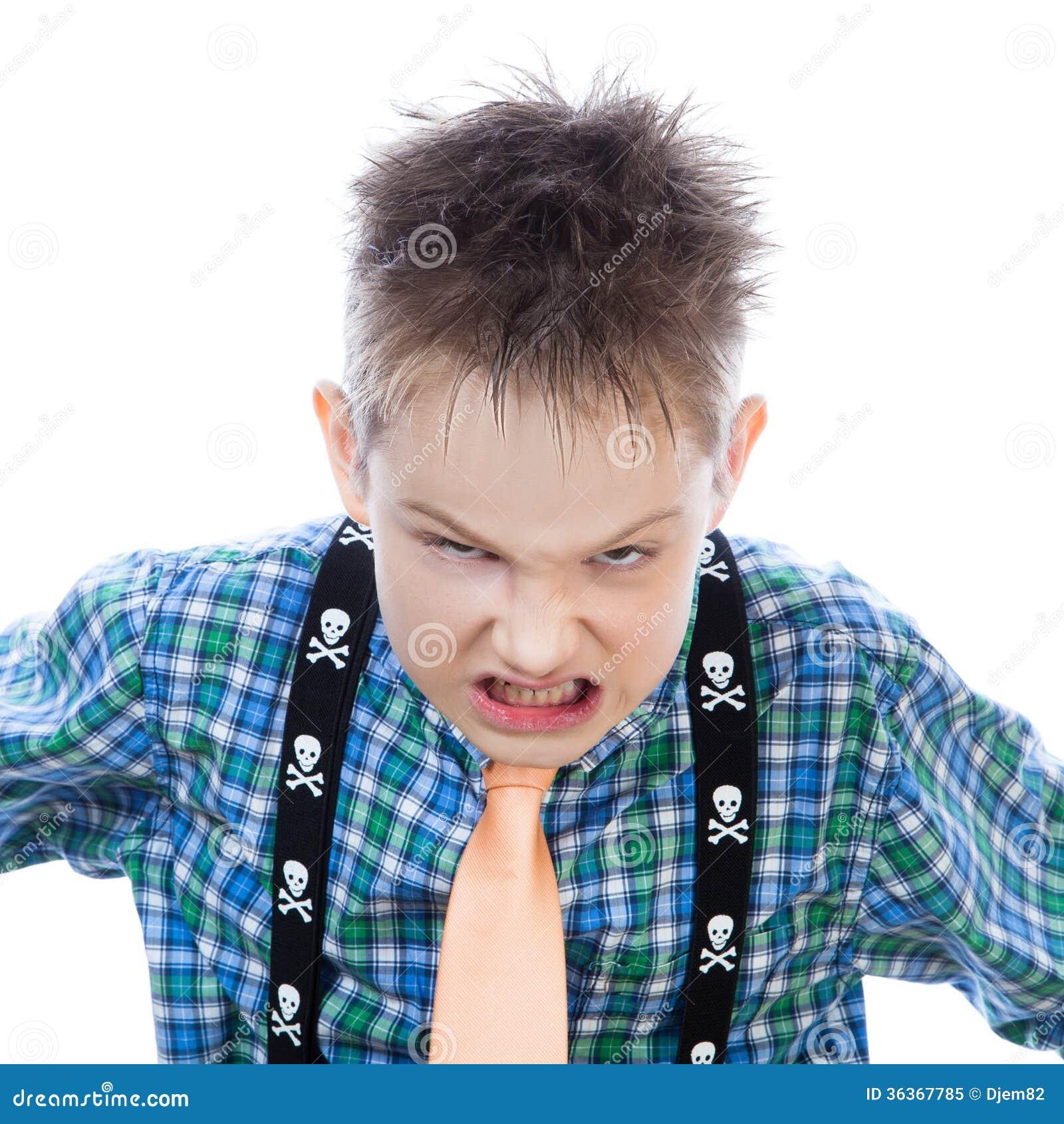 El ni o peque o agresivo grita en la c mara foto de - Foto nino pequeno ...