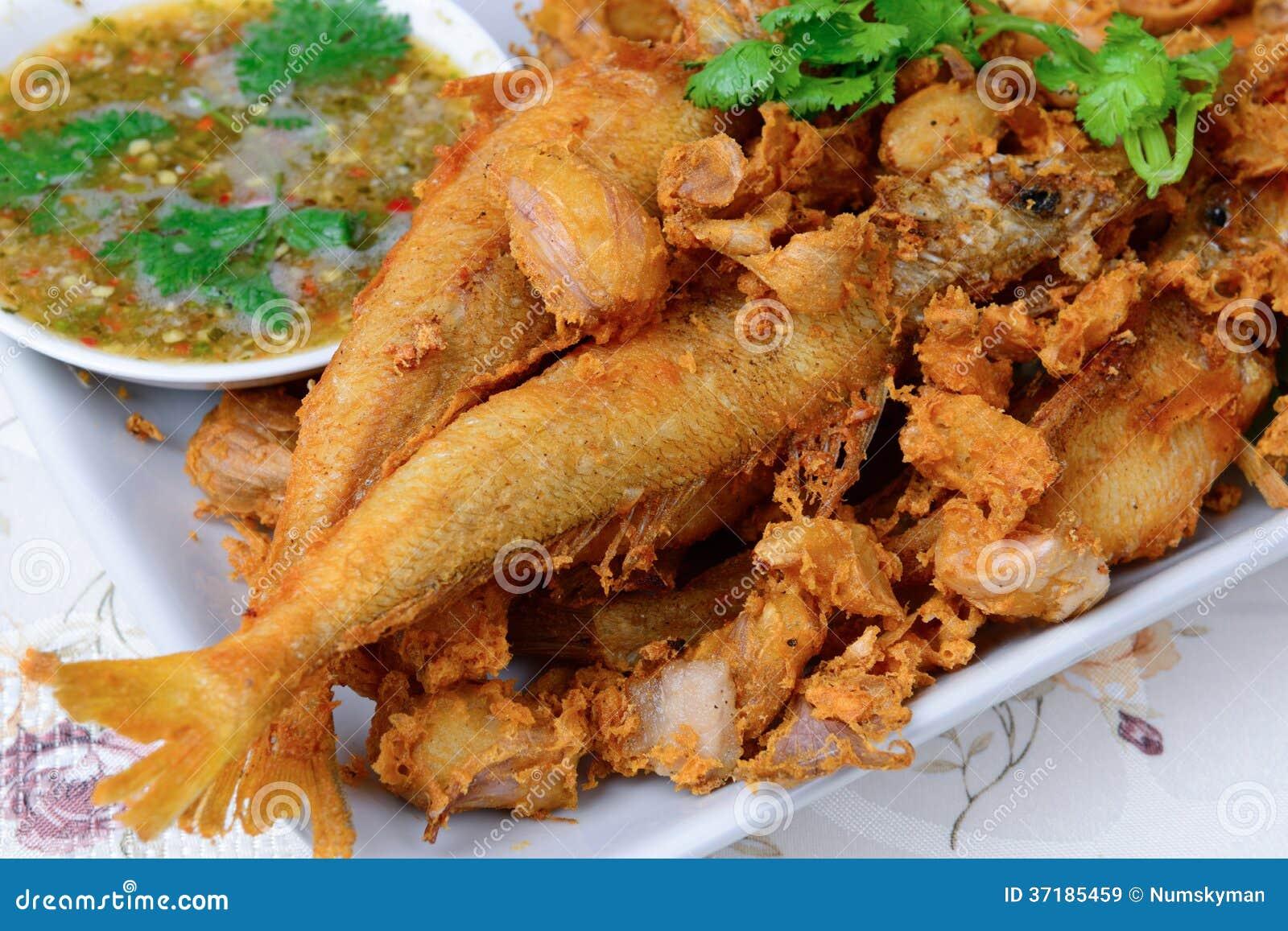 el nombre tailand s de la comida es pescado congregado