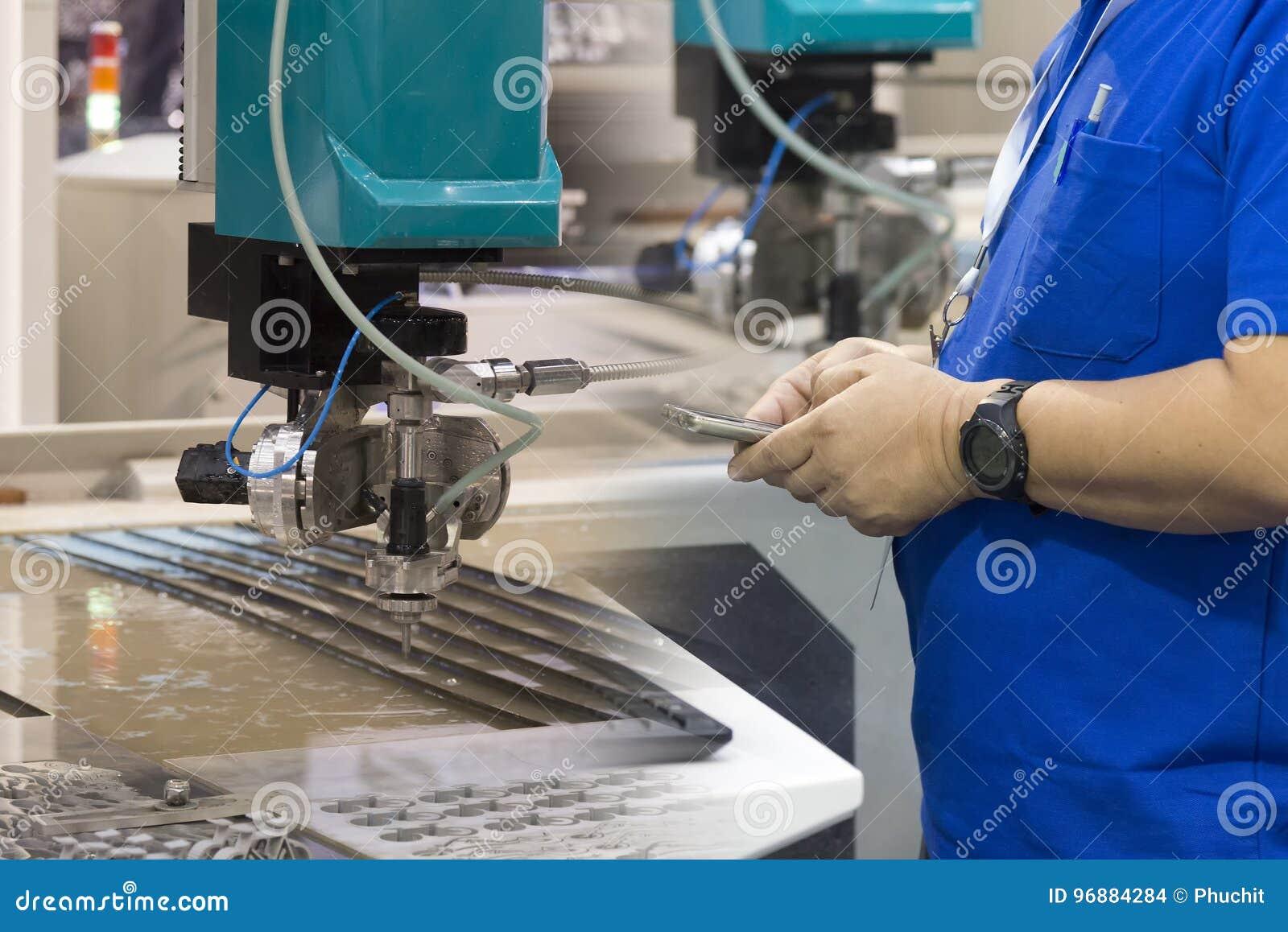 Operador(a) de Máquinas Planas Industriales de una Aguja