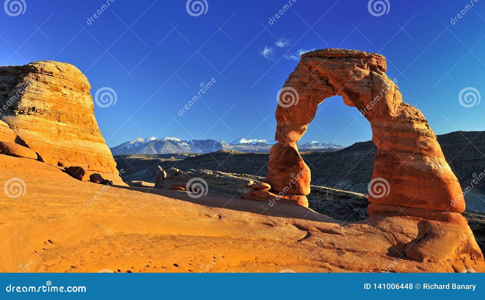 El otoño en el arco delicado, arquea el parque nacional, Utah, los E.E.U.U.