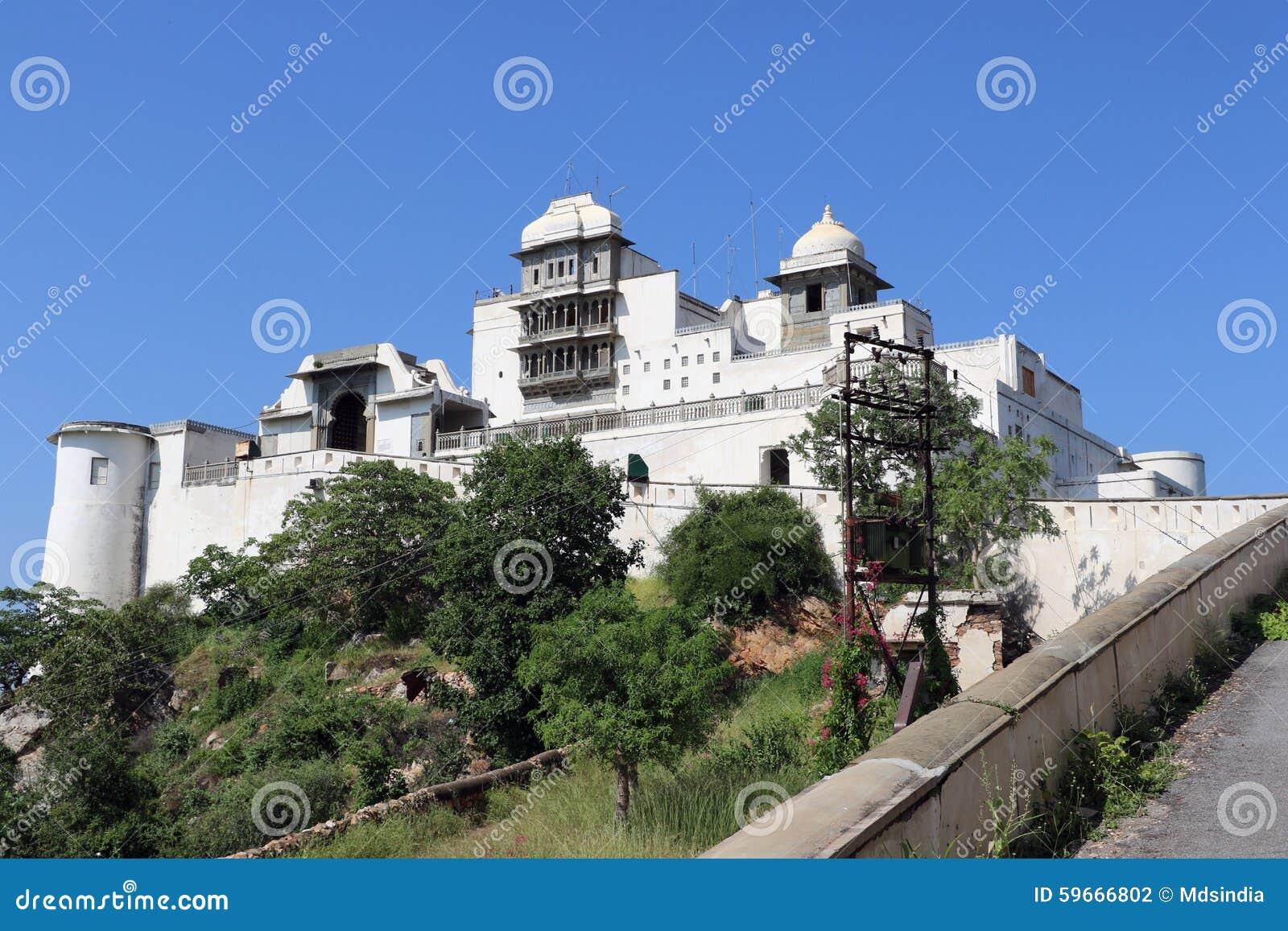El palacio de la monzón o palacio de Sajjan Garh, Udaipur, Rajasthán