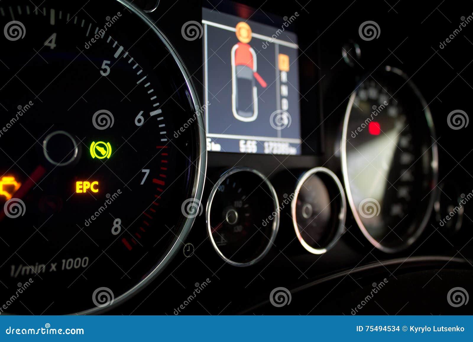 El panel instrumental del coche