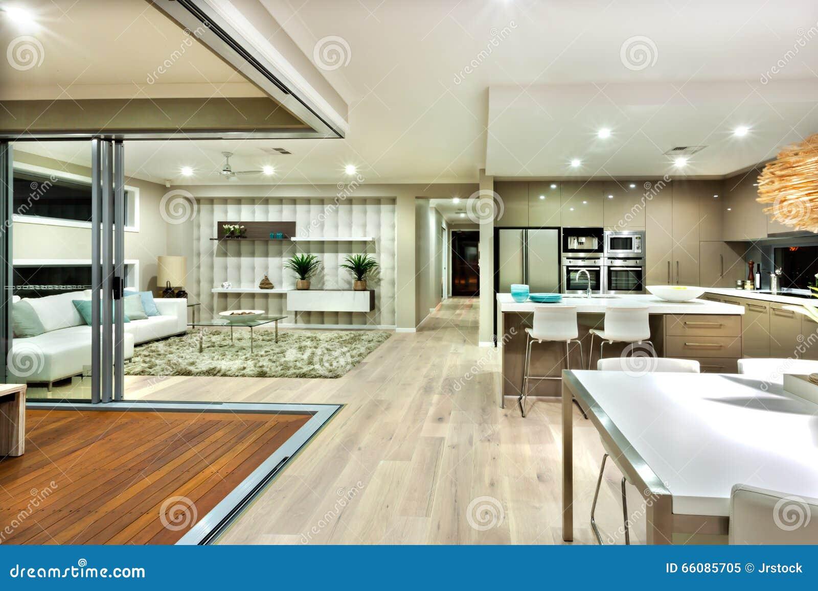 El panorama interior de la casa moderna con la cocina y la for Sala de estar estancia cocina abierta