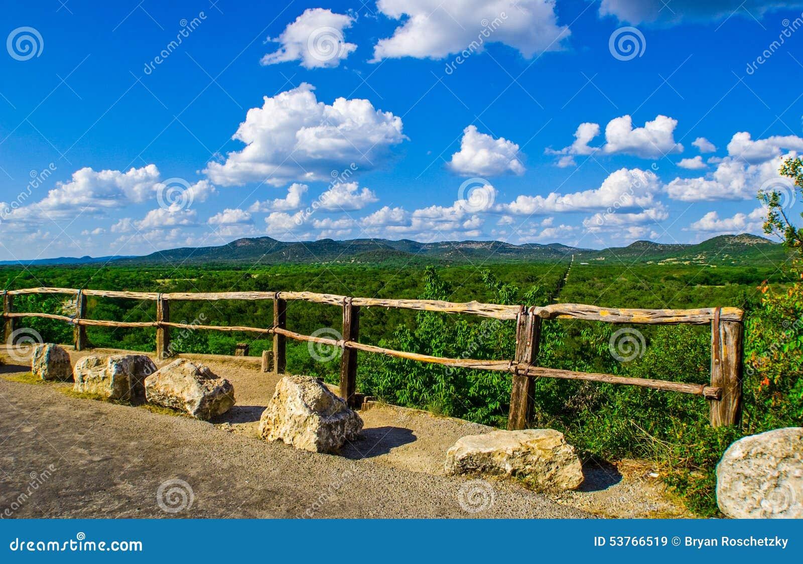 El parque de estado del Garner pasa por alto a Texas Hill Country