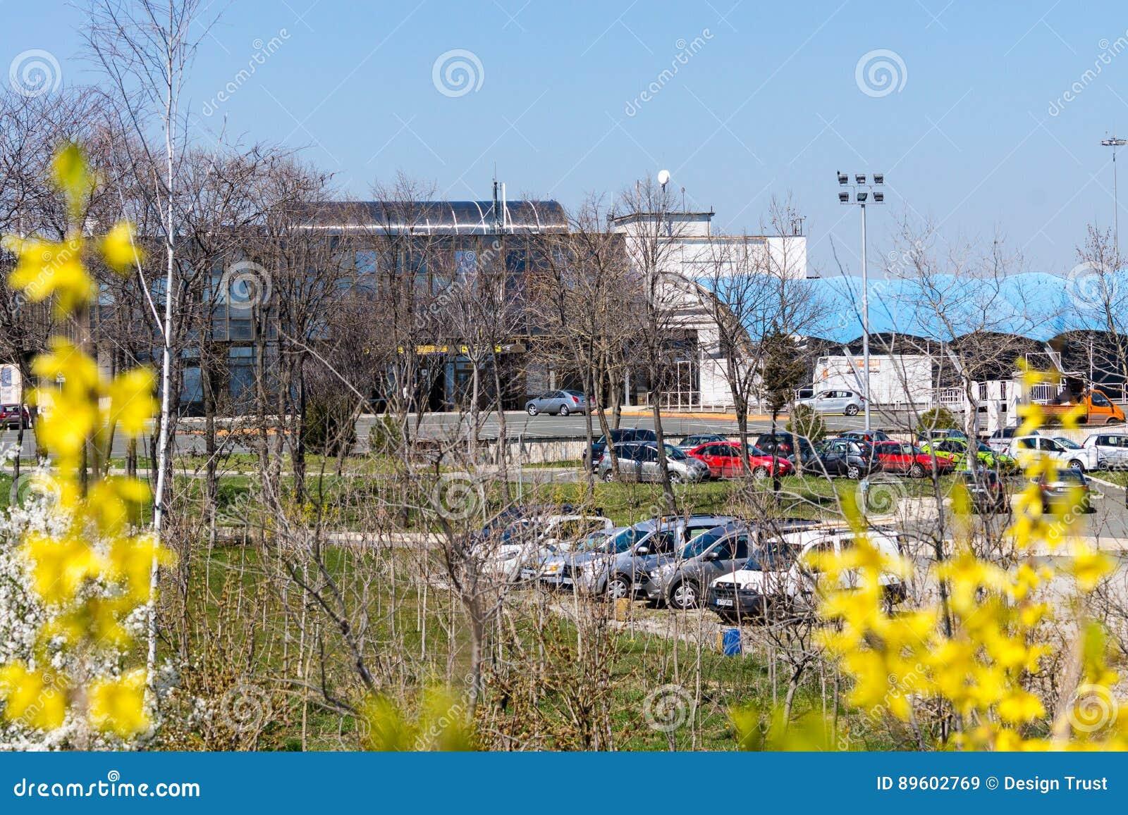 El parquear en el aeropuerto Burgas en Bulgaria
