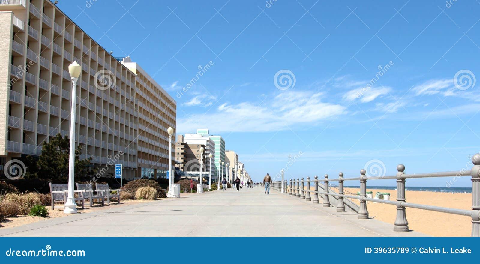El paseo marítimo Virginia Beach los E.E.U.U.