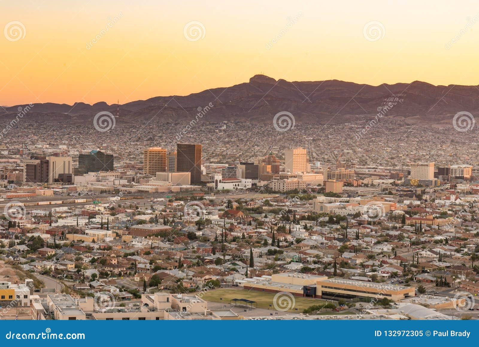 El Paso Texas Night Skyline Stock Image Image Of Buildings Paso 132972305