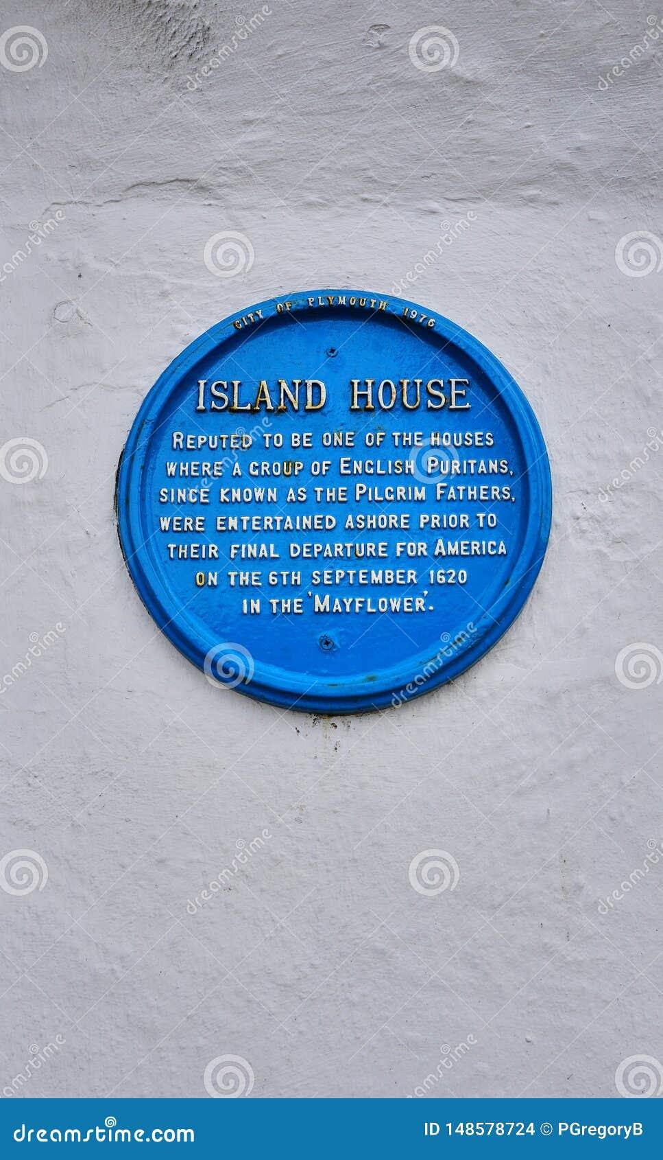 El peregrino engendra la placa conmemorativa en el edificio en Plymouth Inglaterra