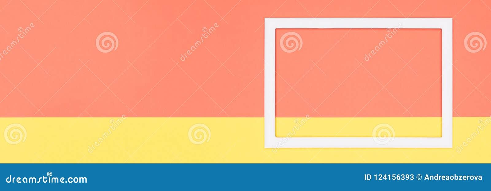 El plano de papel anaranjado y amarillo geométrico abstracto pone el fondo de la bandera Minimalismo, geometría y plantilla de la