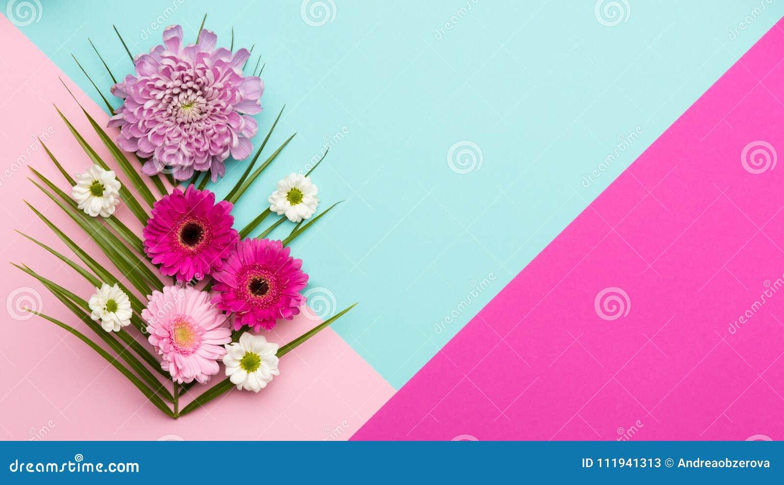 El plano floral pone fondo del día o del cumpleaños del ` s del día, de la tarjeta del día de San Valentín de la madre del ` s de