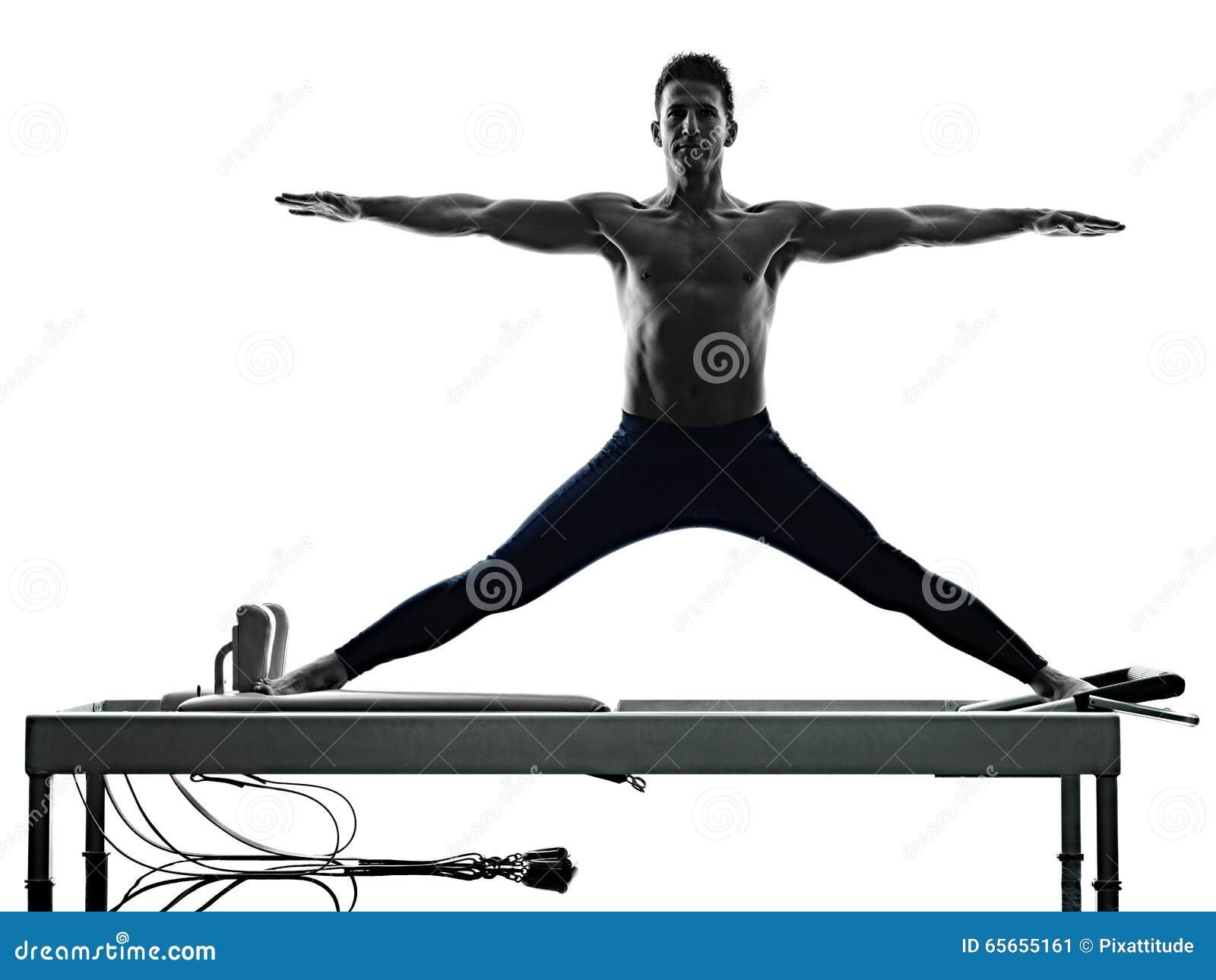 El Reformador De Los Pilates Del Hombre Ejercita Aptitud Aislado ...