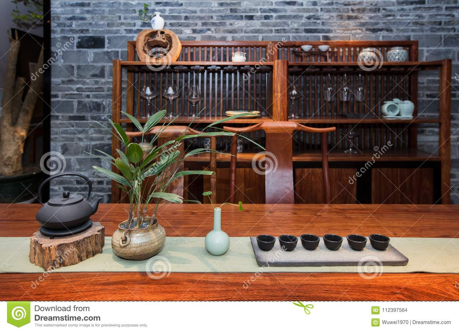 El salón de té de familias chinas modernas