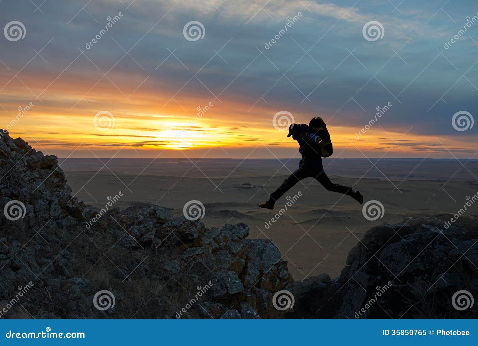 El salto de los caminantes