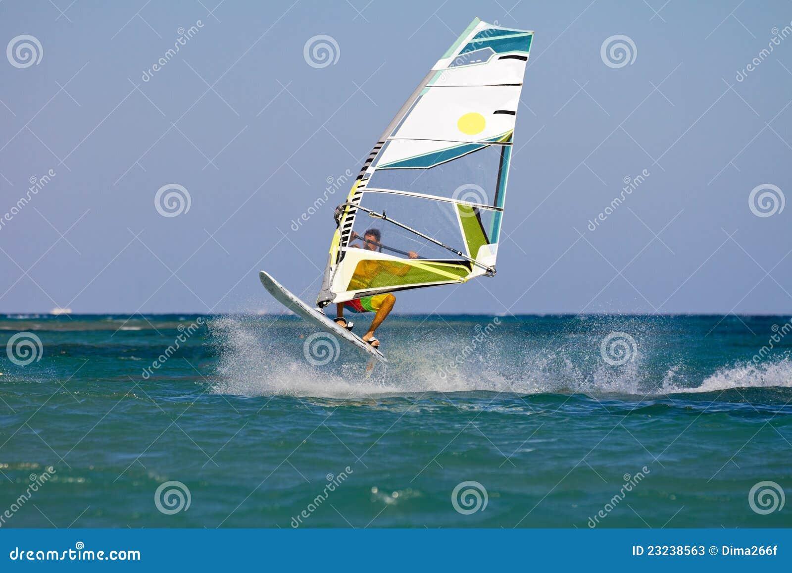 El salto del Windsurfer
