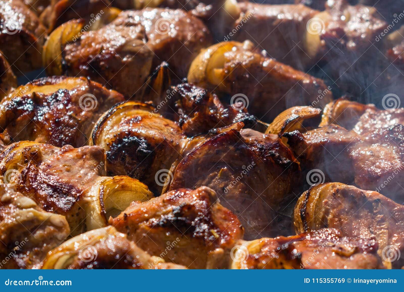 El souvlaki del cordero del Bbq ensarta receta Kebabs del cordero Pedazos adobados