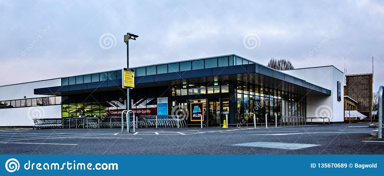 El supermercado de ALDI, condujo Rd, Swindon SN1 3AD