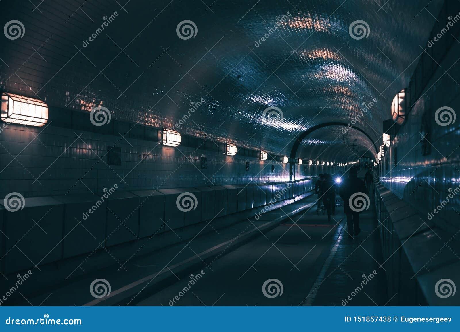El túnel viejo de Elba se abrió en 1911
