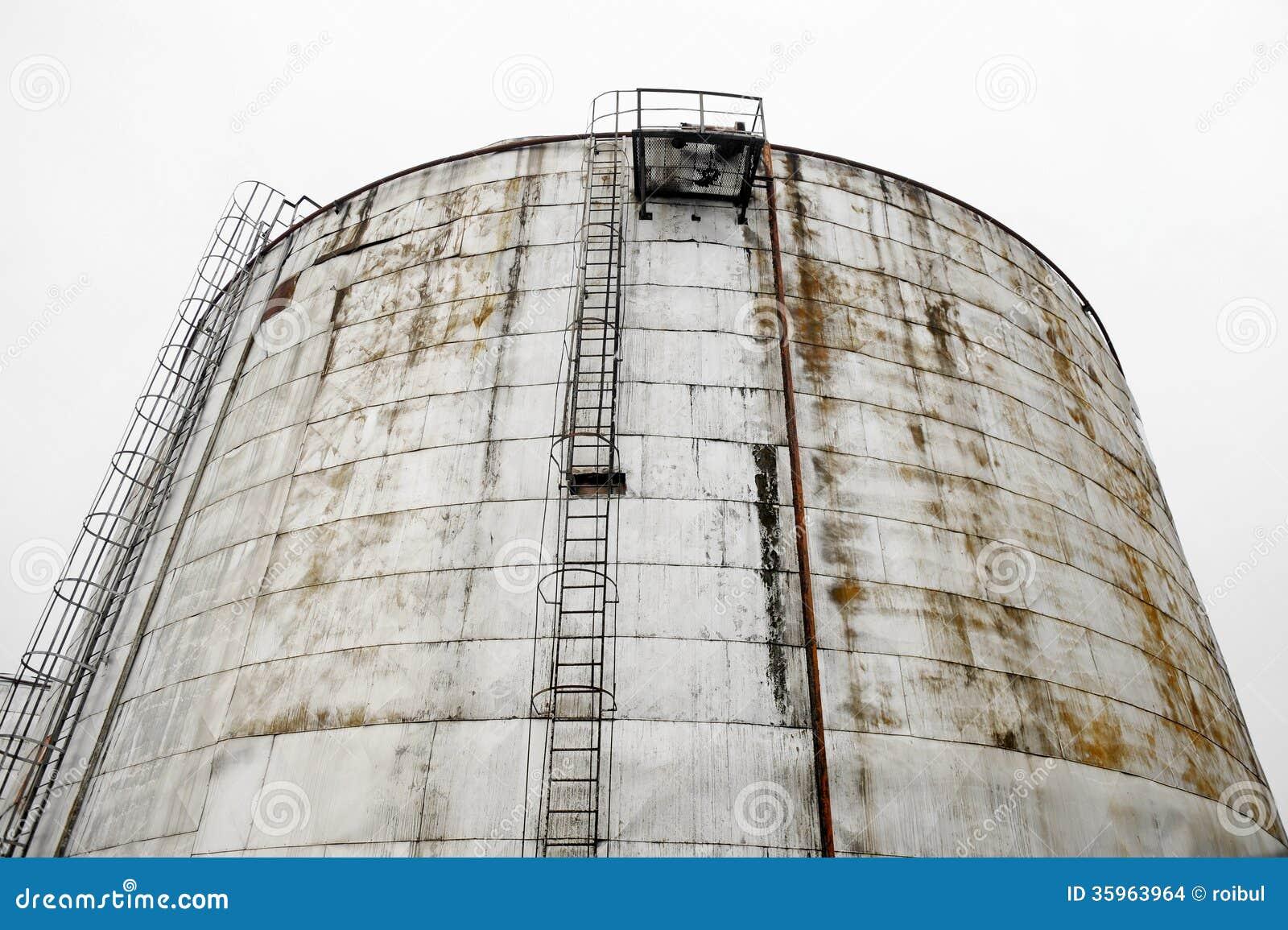 El tanque de almacenamiento industrial de aceite