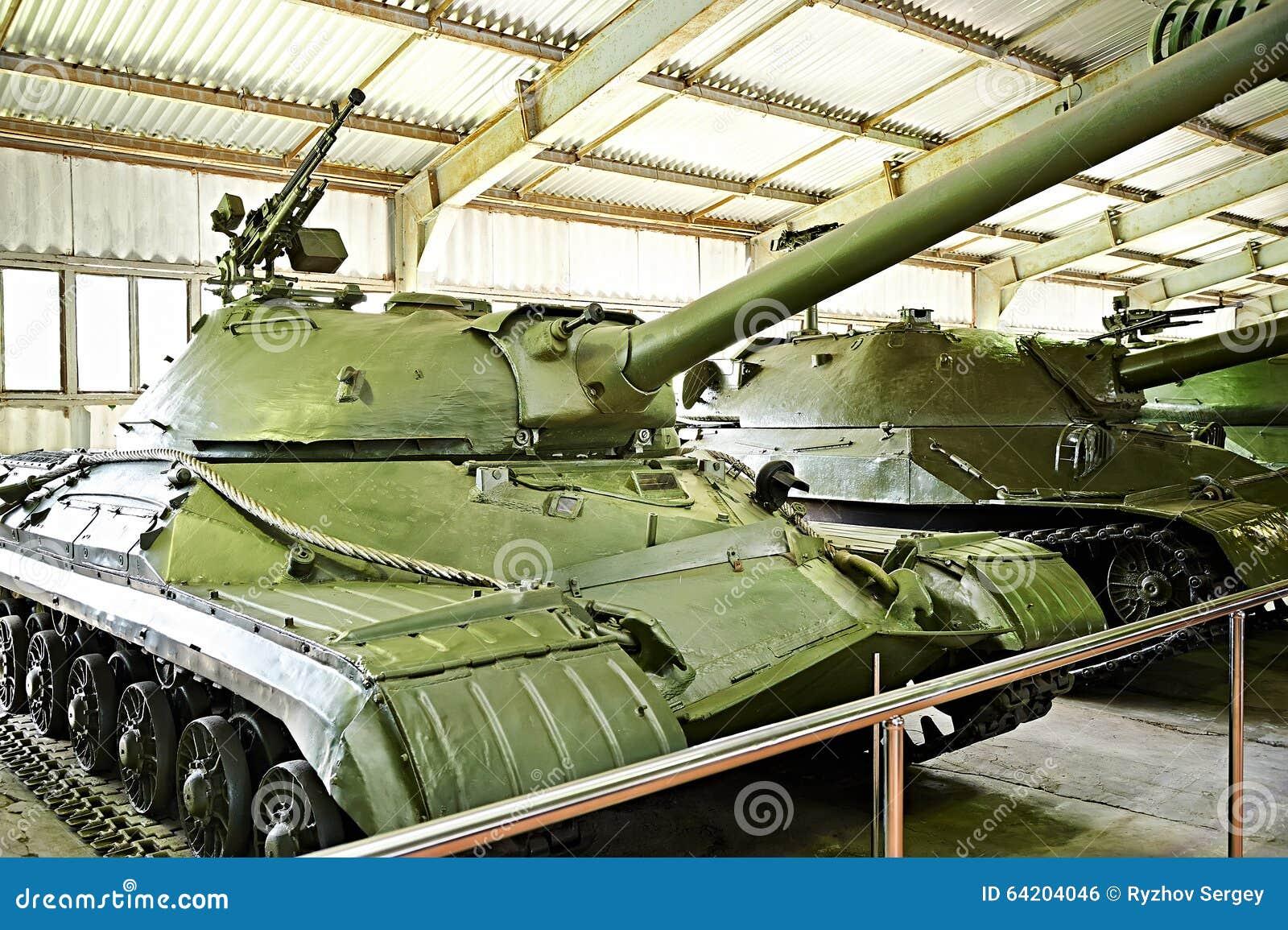 El tanque pesado soviético T-10