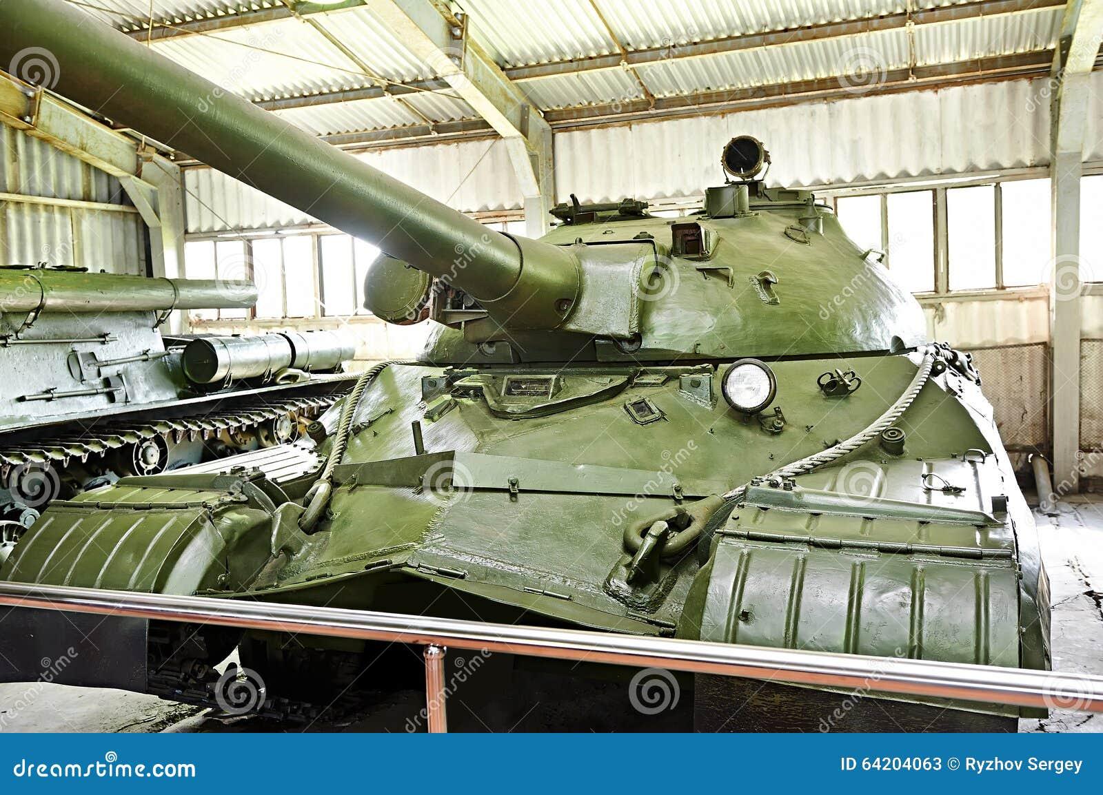 El tanque pesado soviético T-10M