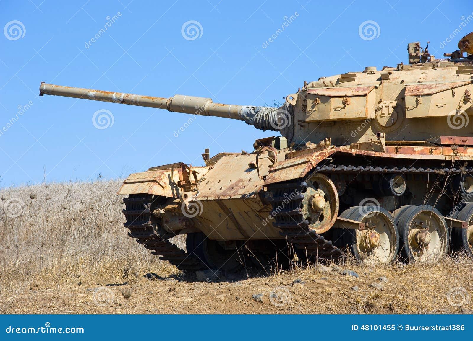 El tanque viejo de guerra