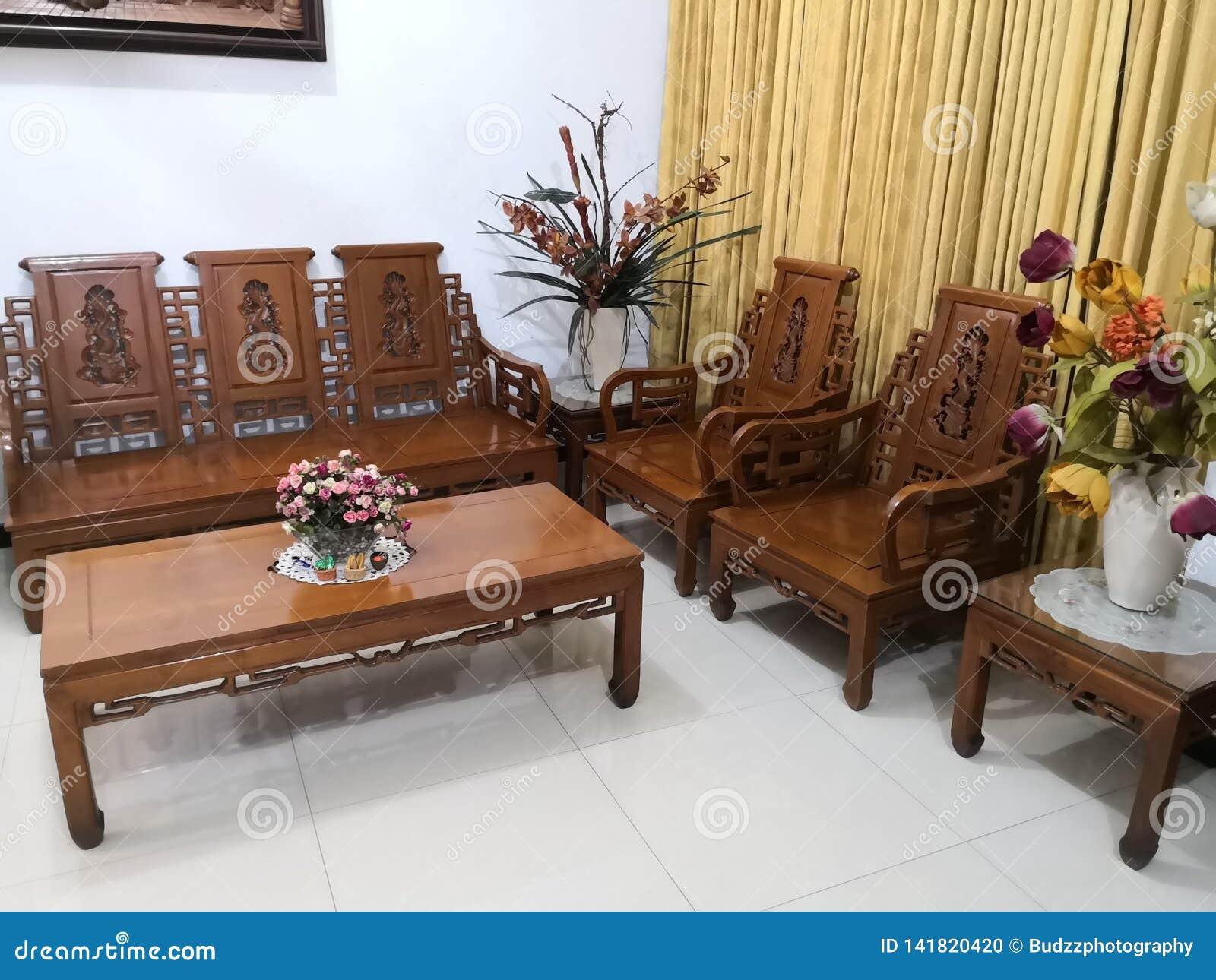 El Teakwood o el Tectona Grandis es una madera dura tropical usada para los muebles interiores de alta calidad, especialmente en