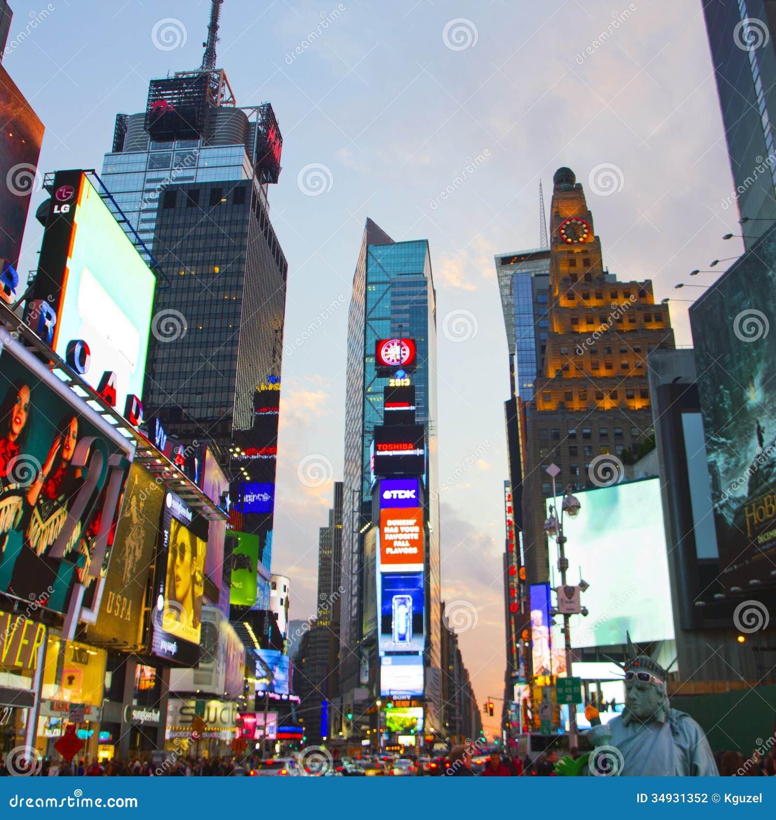 Manhattan New York New York: El Times Square Con El LED Animado Firma, Manhattan, New