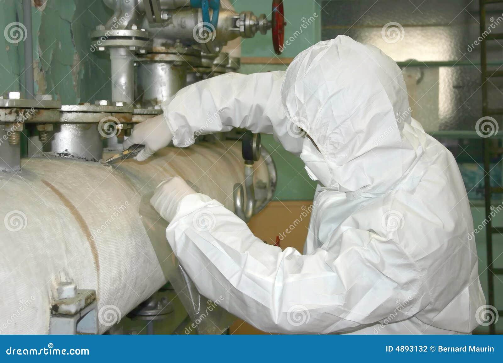 El tomar peligroso del asbesto