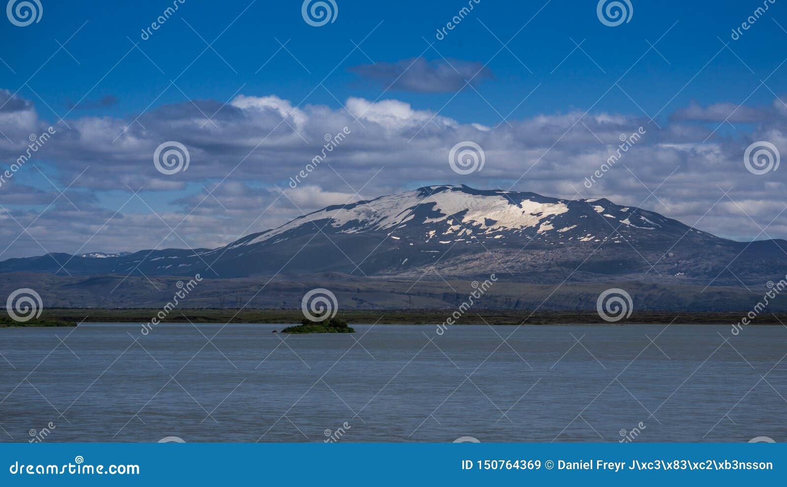 El volcán infame de Hekla, Islandia del sur