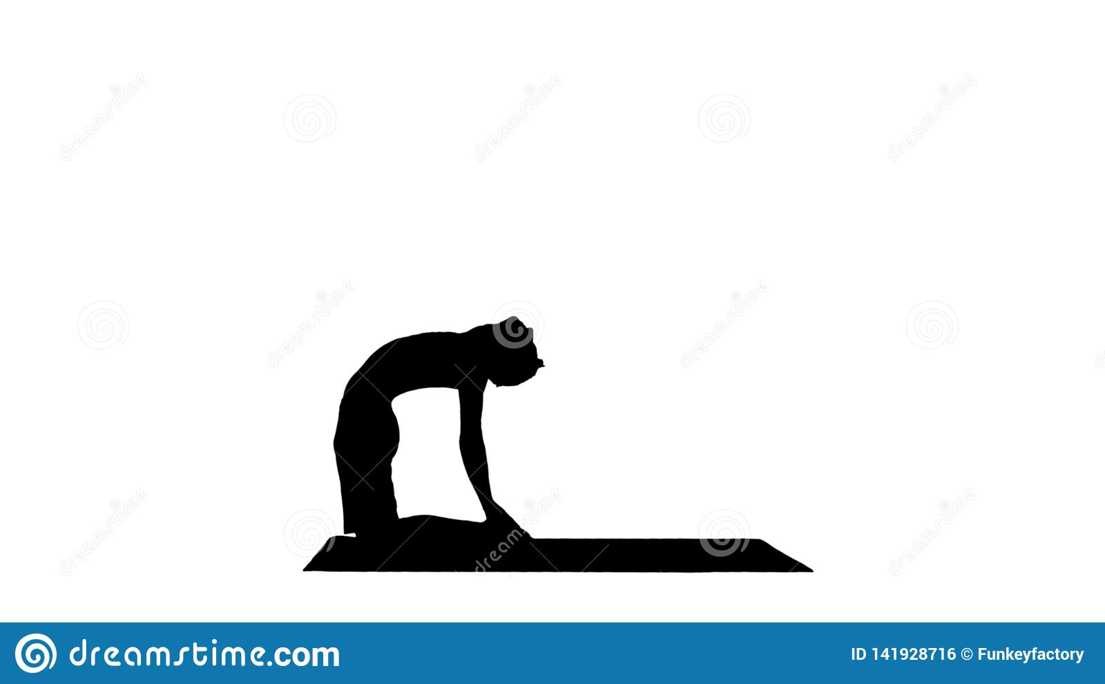 Elaboración joven del hombre de la silueta, yoga, pilates o entrenamiento deportivos de la aptitud, colocándose en ushtrasana del