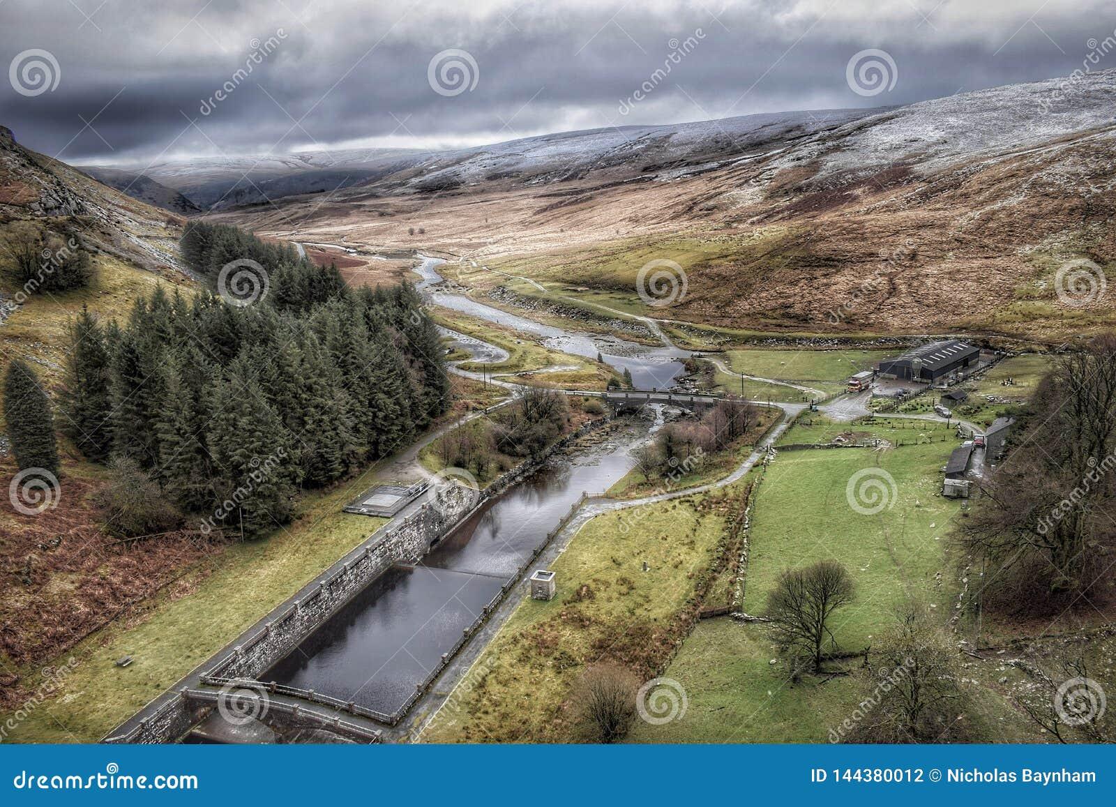 Elan Valley in Galles durante la neve