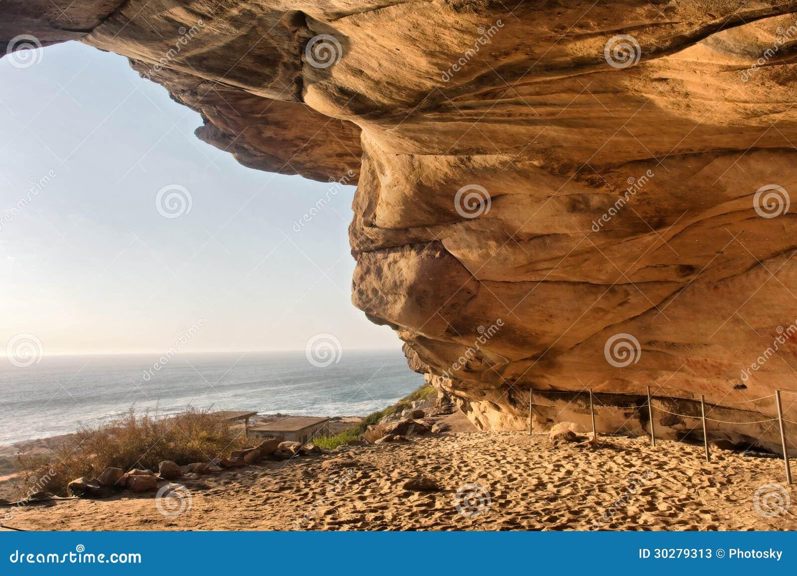 从Elands岩石艺术洞的看法