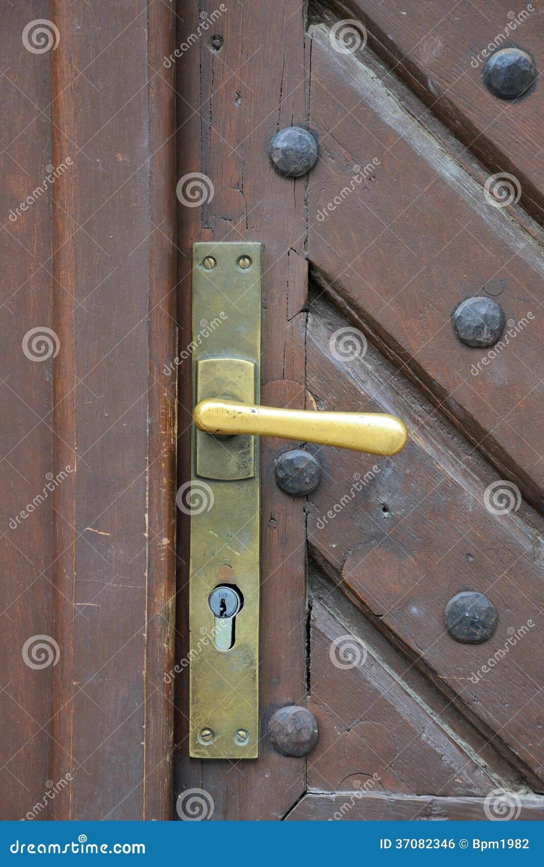 Download Żelazny doorhandle zdjęcie stock. Obraz złożonej z sekret - 37082346