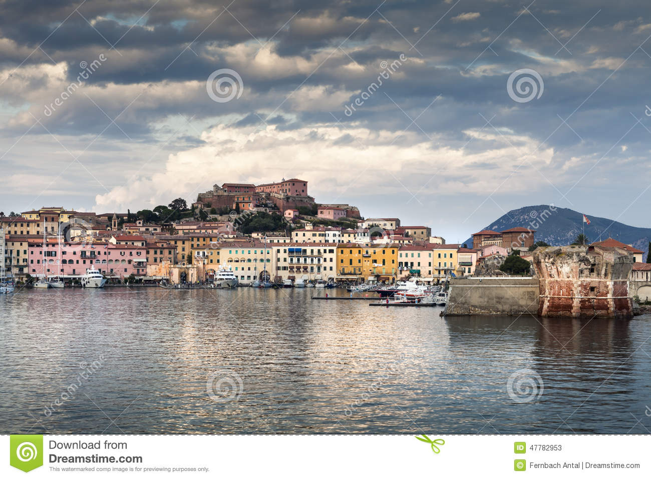 elba harbor | livius | Flickr