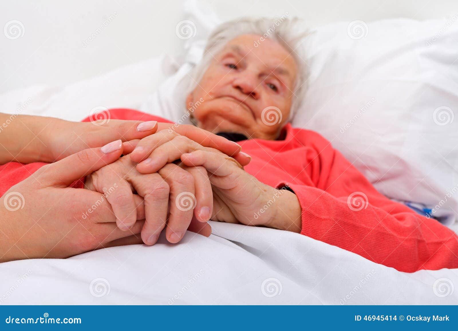 Старые старые бабушки 13 фотография