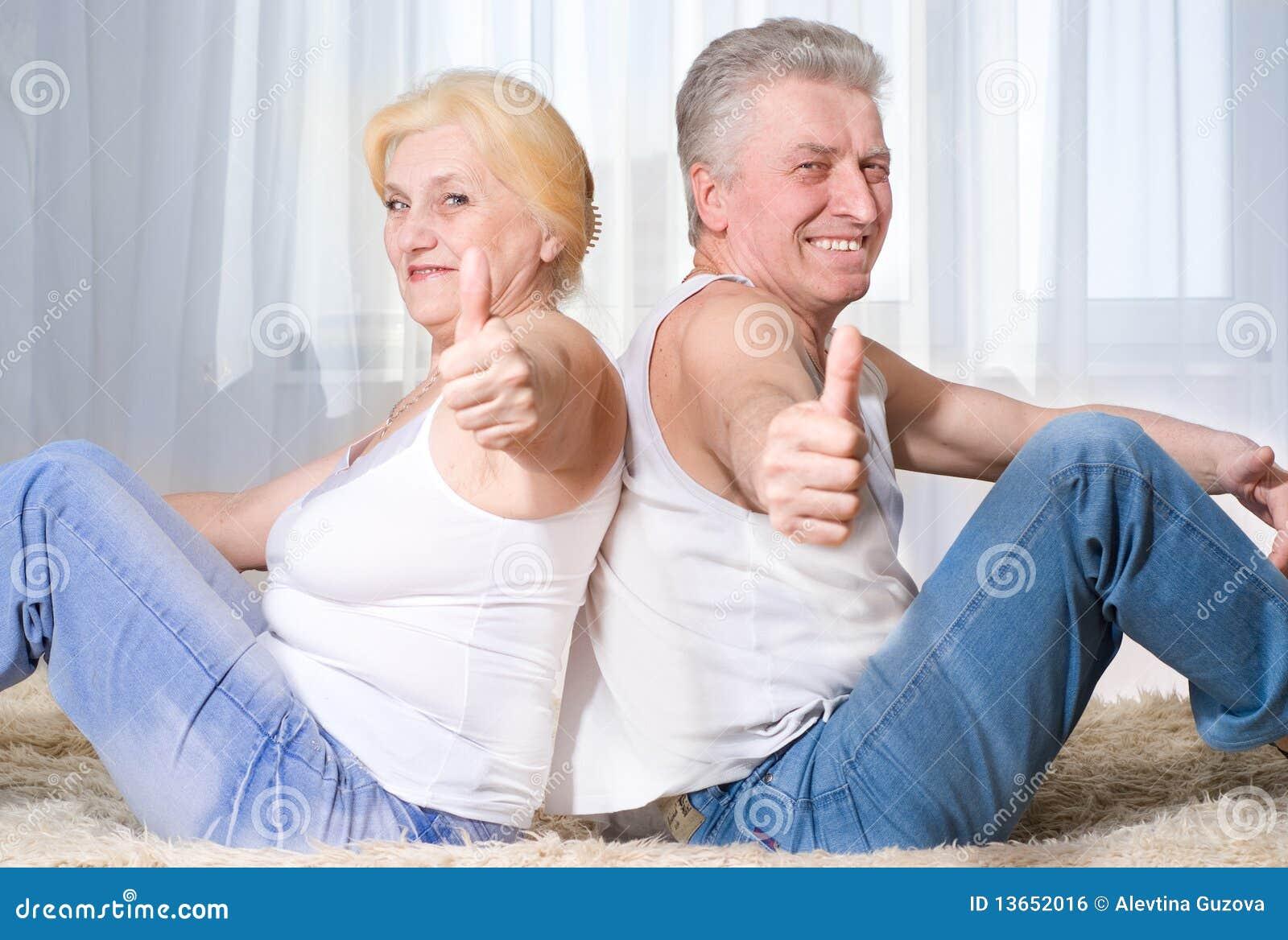 Русский секс тетки с племянником, Тетя и Племянник Порно и Секс Видео Смотреть Онлайн 26 фотография