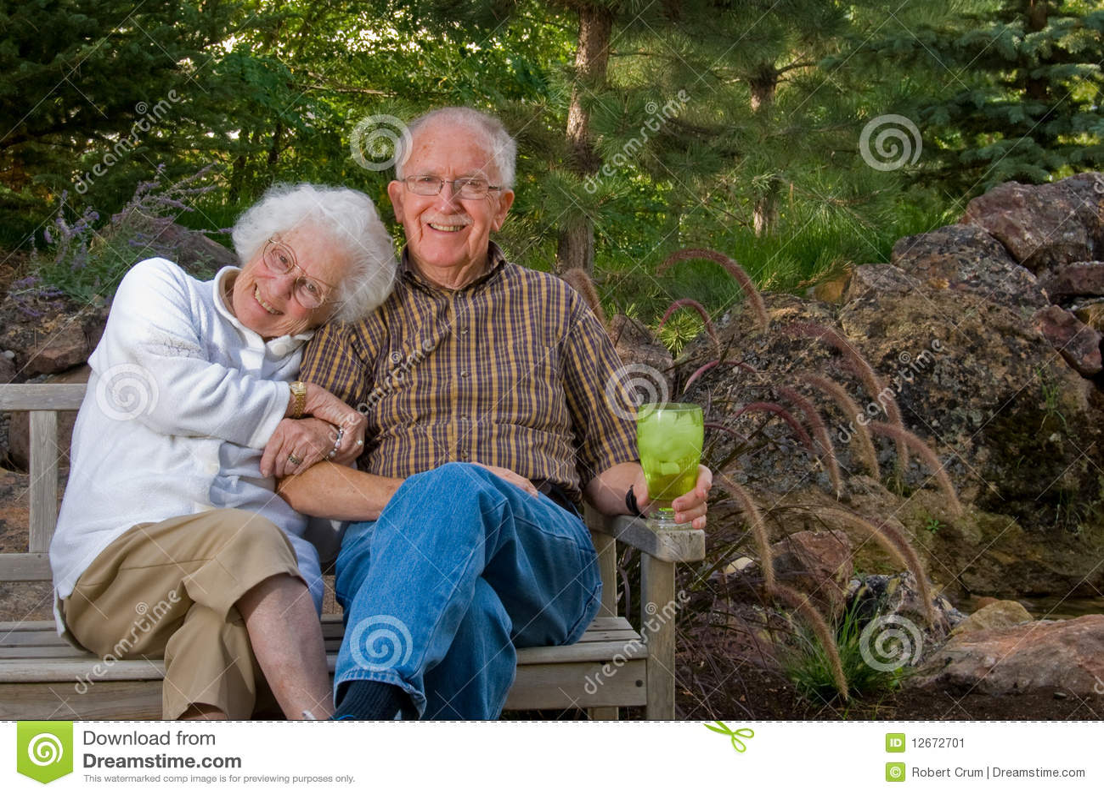 Старик трахнул девочку 12 фотография