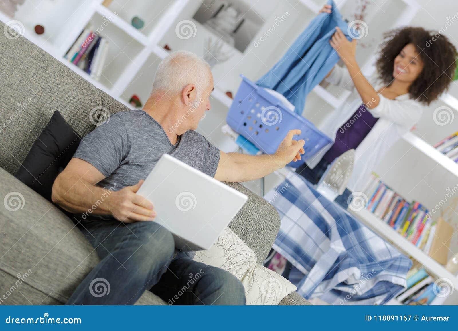 Frau sucht reichen mann im internet
