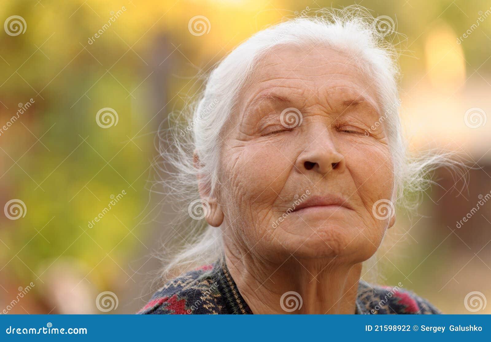Фотосессия пожилых женщин 12 фотография