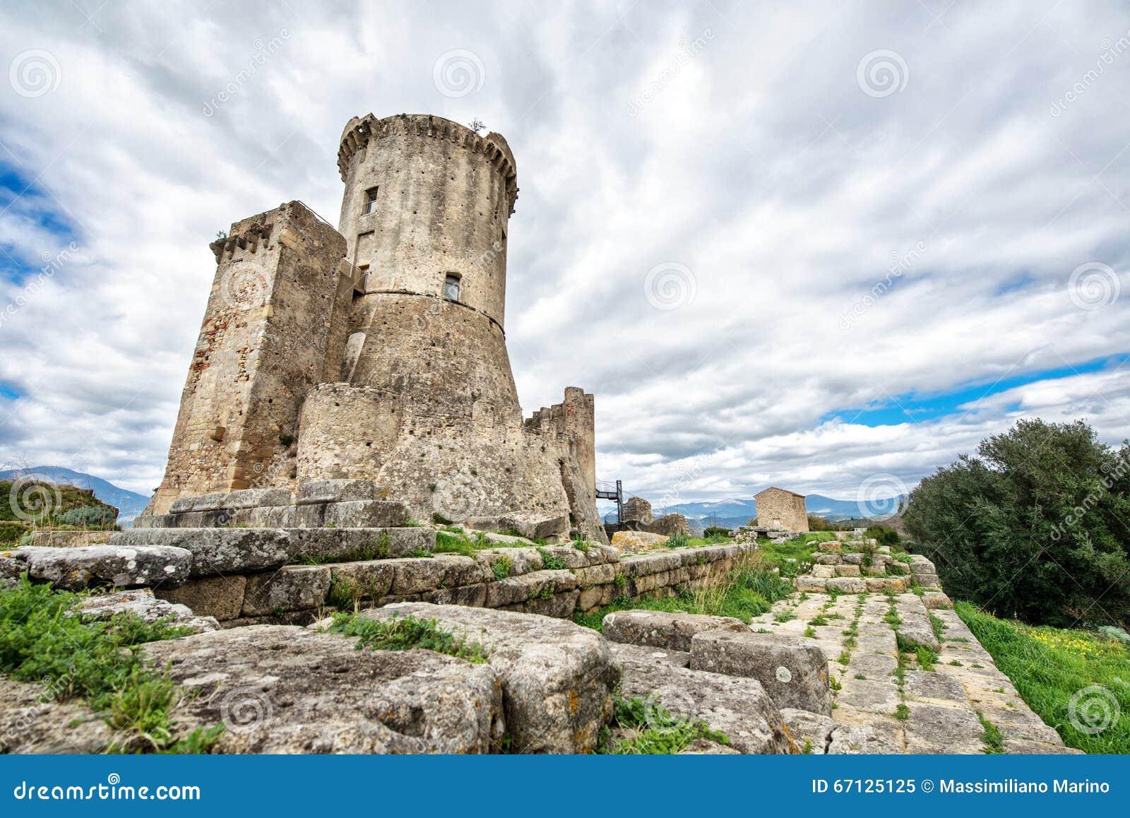 Elea Velia nas épocas romanas, é uma cidade antiga de Magna Grecia