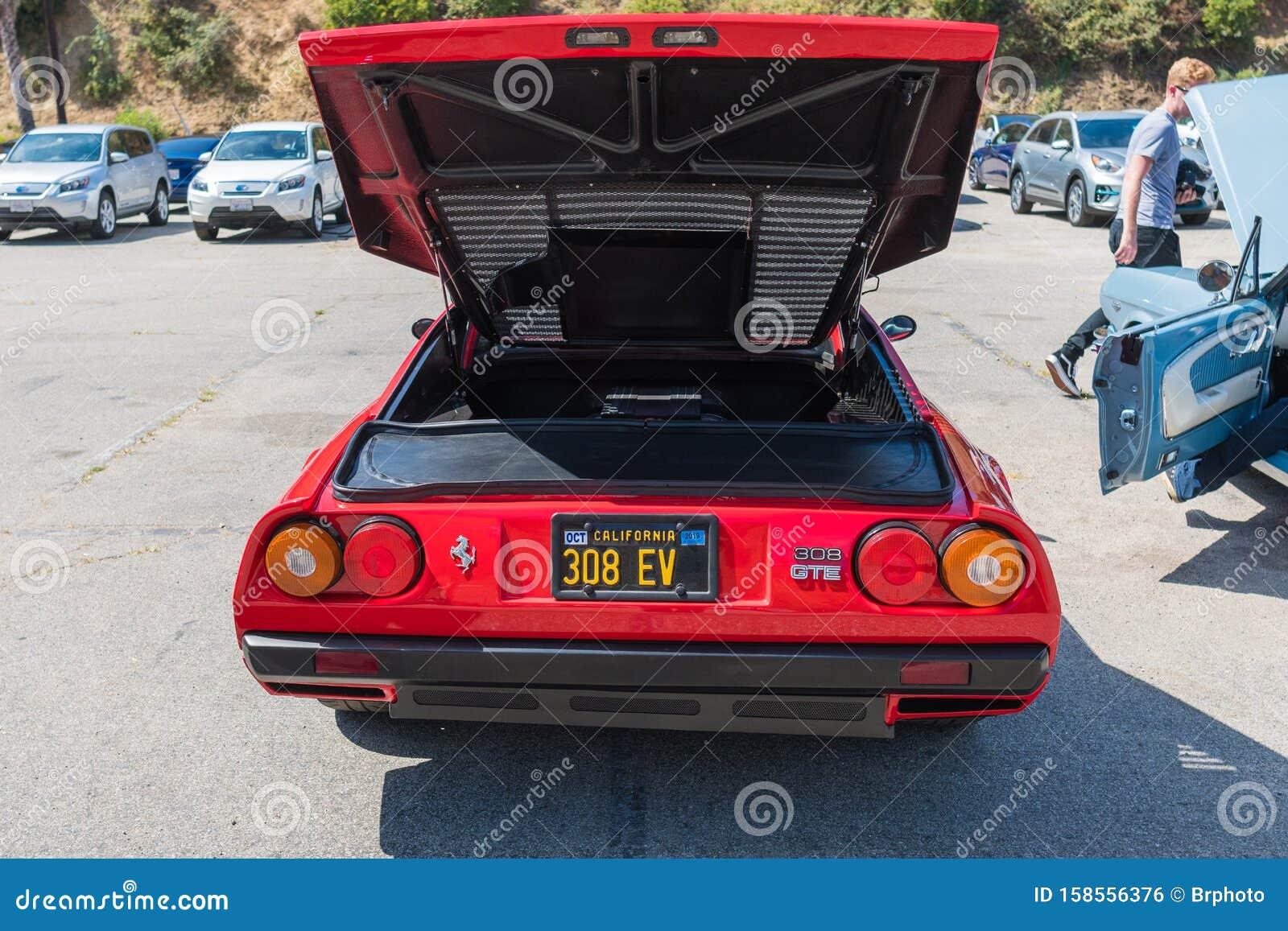 Electric Ferrari 308 Gte Während Charge Up La Event Für Elektrofahrzeuge Redaktionelles Foto Bild Von Aufladeeinheit Batterie 158556376