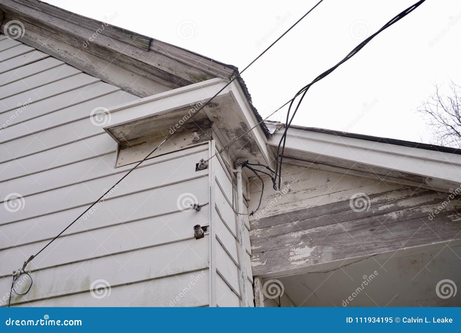 Electric Power-Lijnen aan een huis
