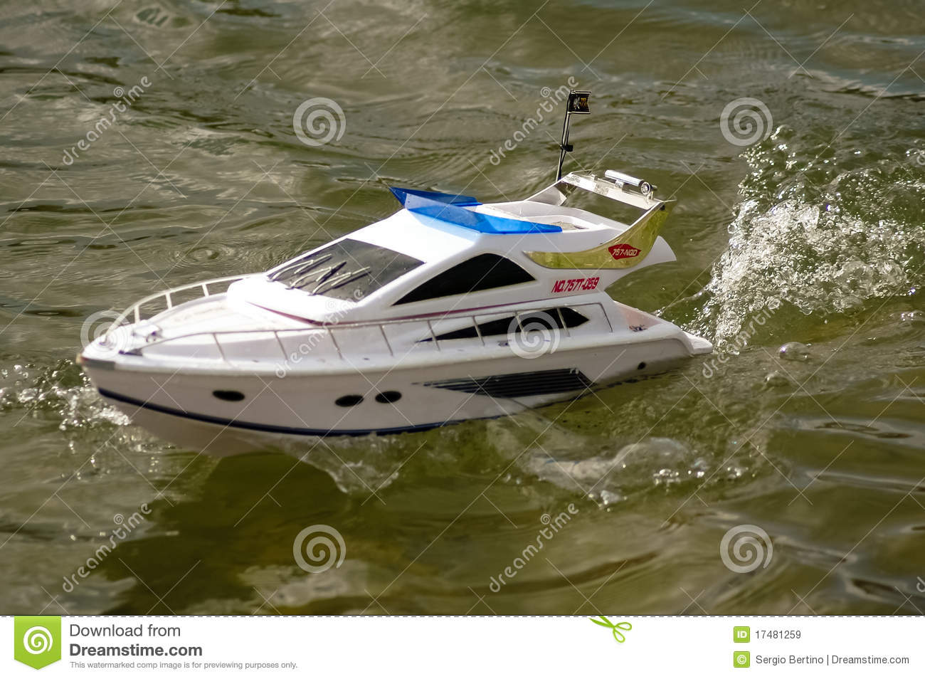 Electric Radiocontrolled Model Boat Royalty Free Stock Images - Image: 17481259